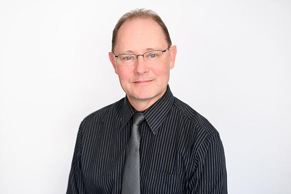Dr. Renier van Aardt